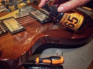 Aplicador Dunlop Formula 65 Guitar Polish and Cleaner para lacados de guitarras y bajos