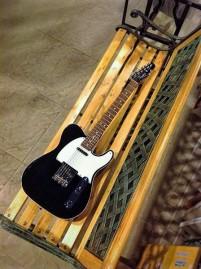 Squier Telecaster Classic Vibe Custom de estilo 62 con binding laterales