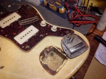 Cordal con corrosión Fender Jazzmaster