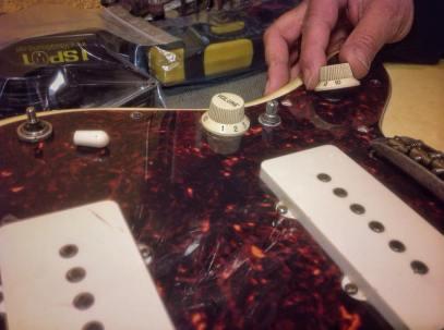 Colocando los botones de Volumen y Tono