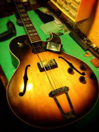 Gibson 175 sunburst
