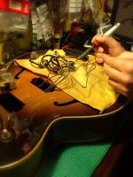soldando pastillas nuevas Gibson 175