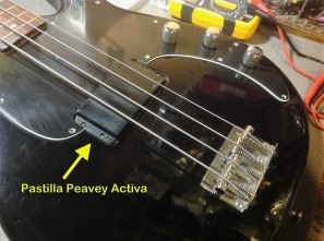 Pickup bajo Peavey Forum USA